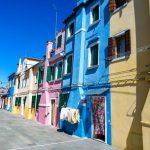 Akú vybrať farbu na fasádu? 20 inšpirácii na pestrofarebné fasády